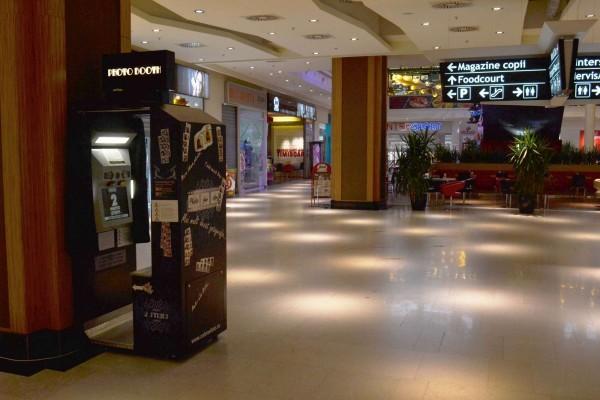 bw photo booth, cabina foto, cabine foto, cabina foto timisoara, photo booth, photobooth, photo booth timisoara, photobooth timisoara, cabina foto mall, photo booth mall