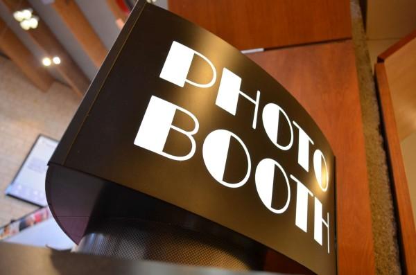 cabina foto, cabine foto, cabina foto cluj, cabine foto cluj, photo booth, photo booth cluj, photobooth, cabina foto mall, photo booth mall, bw photo booth