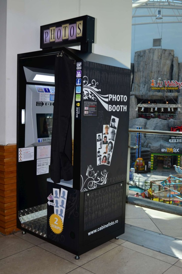 cabina foto, bw photo booth, photo booth, photobooth, cabina foto mall, photo booth mall, photo booth bucuresti, cabina foto bucuresti