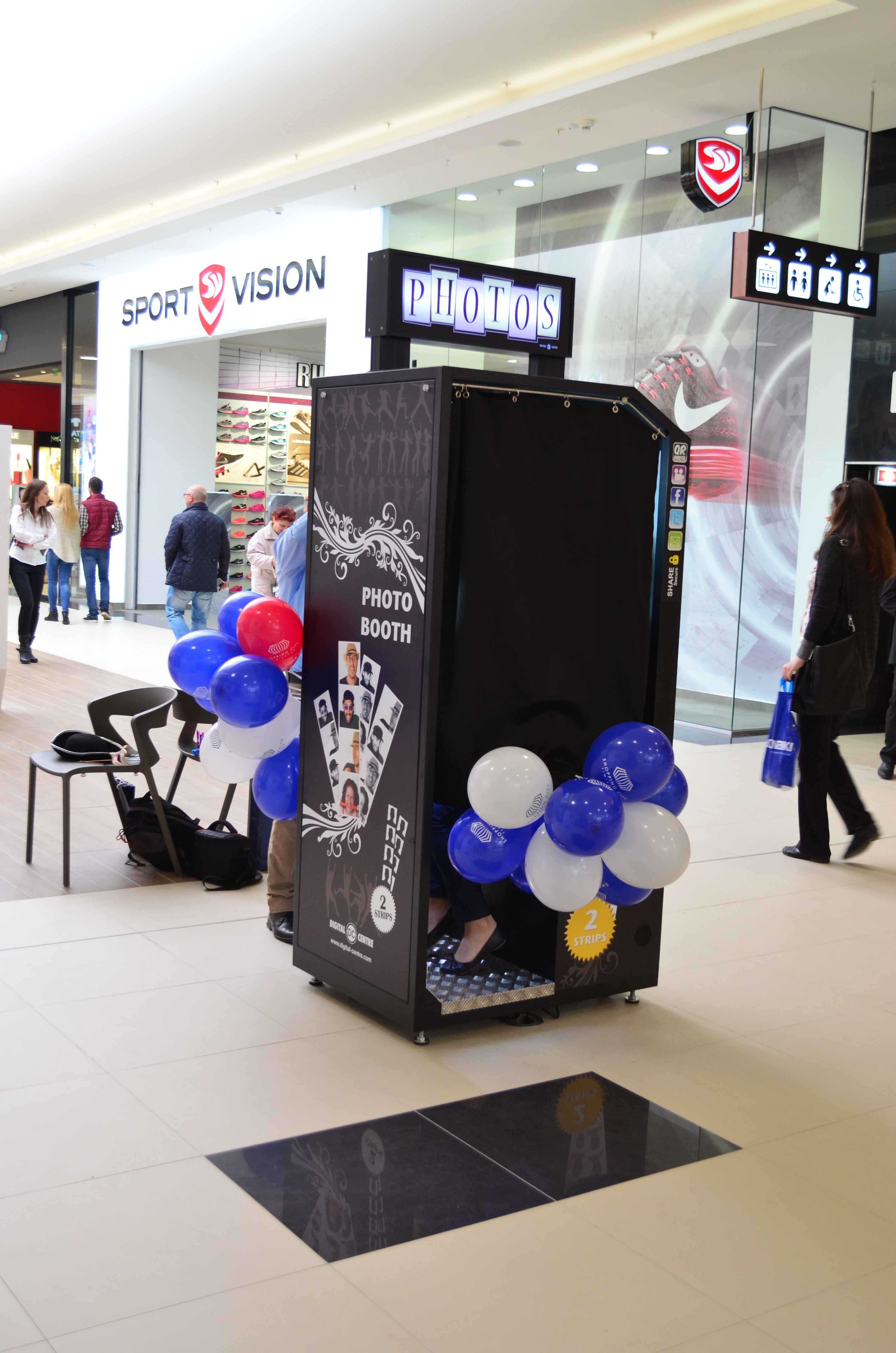 Cabina foto BW Photo Booth din Shopping City Timisoara