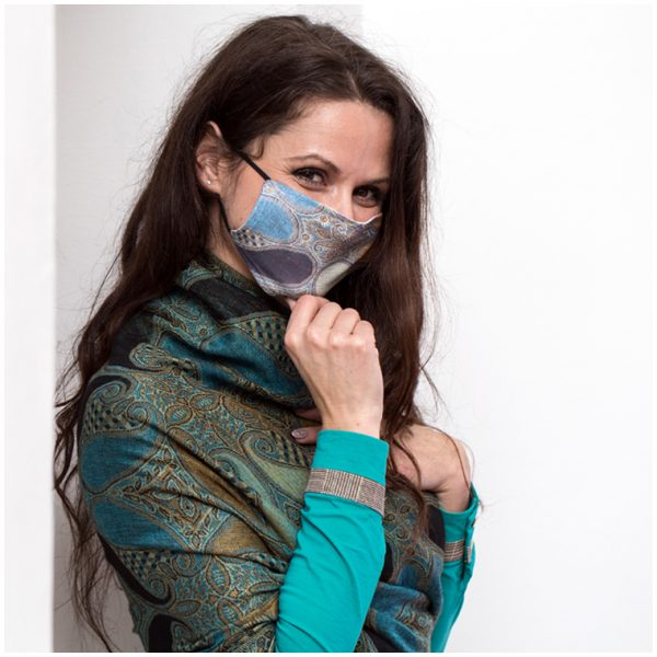 Cea mai cool mască personalizabilă: BW Photo Mask!
